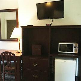 Rodeway Inn Enumclaw Room Features TV Microwave